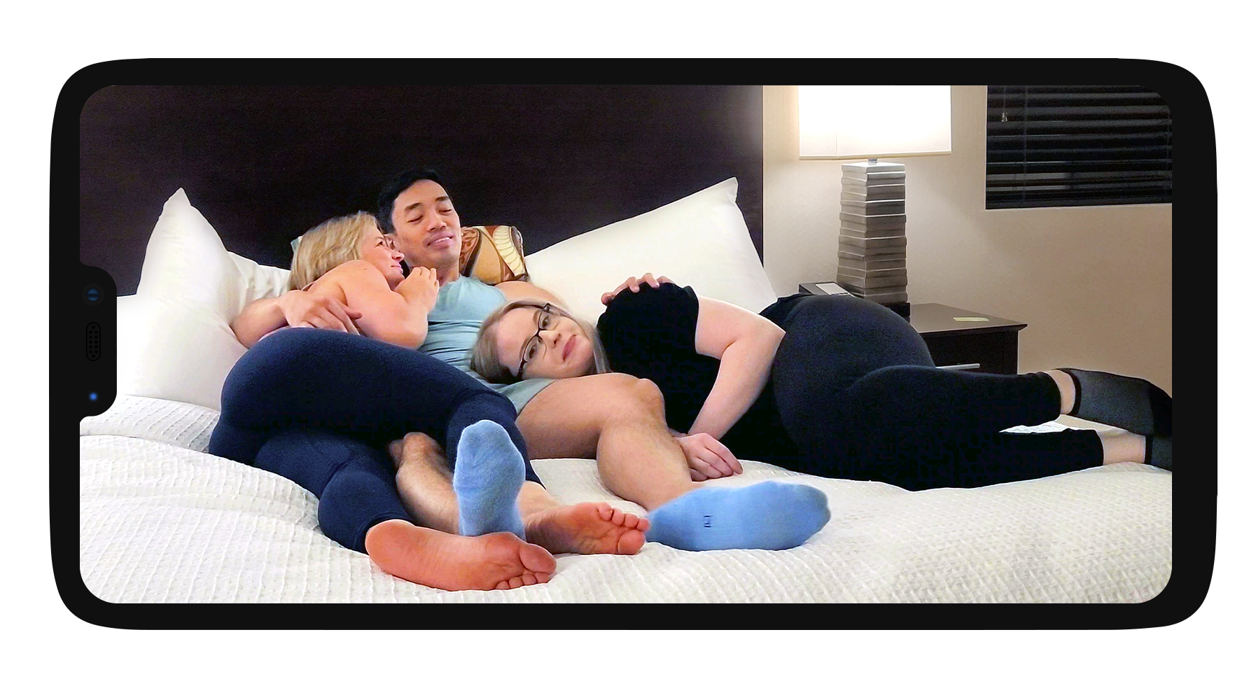 OnePlus Horizontal Three Cuddles